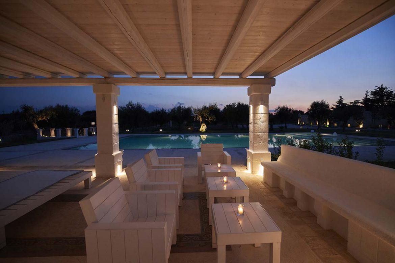Patio con vista piscina Almadava Resort