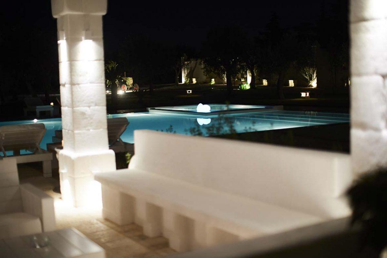 Illuminazione piscina Masseria Almadava