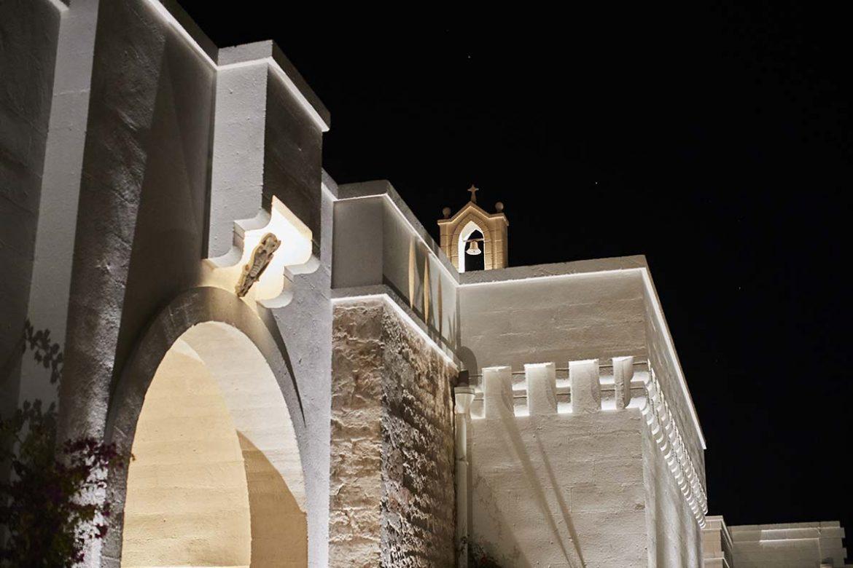 Masseria con chiesetta interna