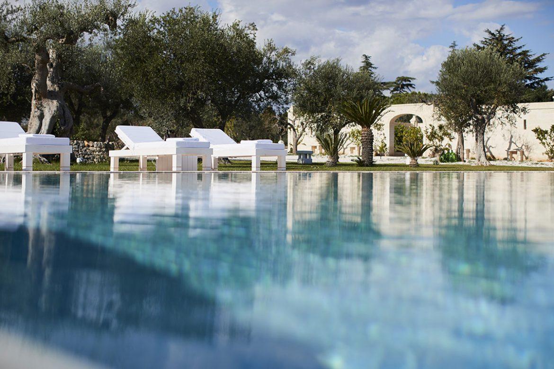 Lettini piscina Almadava Resort