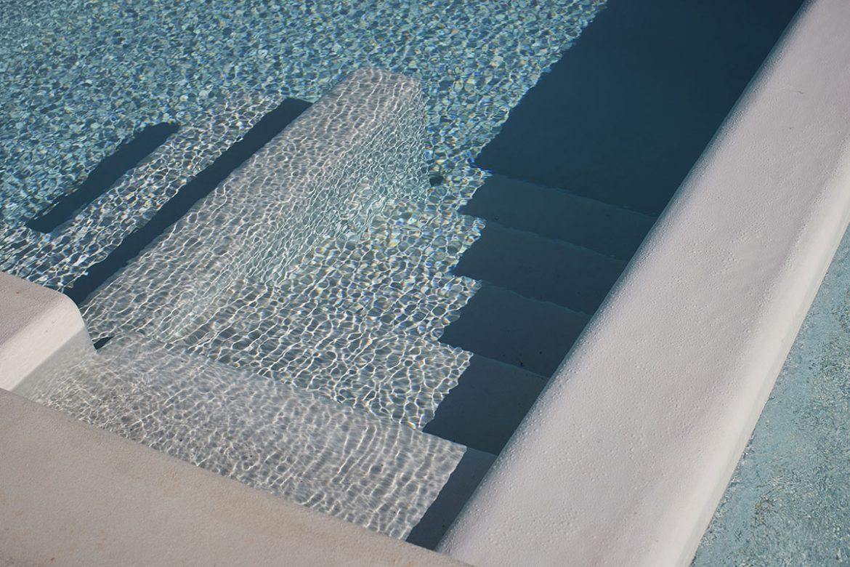 Discesa in piscina Almadava Resort