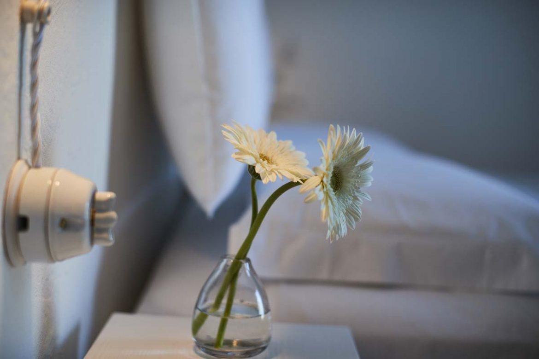 Stanza Itaca - Arredo con fiori di campo - Masseria Almadava