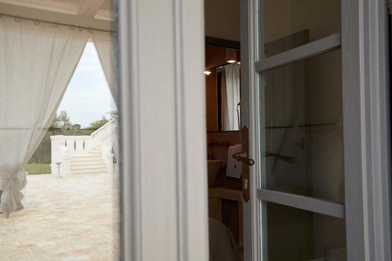 Nausicaa bedroom bathroom entrance